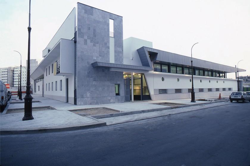 LOEIZ CARADEC ET FRANCOISE RISTERUCCI ARCHITECTES. SARL ARCHITECTURE ET URBANISME. 6 IMPASSE DE MONT-LOUIS. 75011 PARIS. SCOLAIRE. ECOLE MATERNELLE. ZAC DE REUILLY. RUE J.HILLAIRET. 75012 PARIS