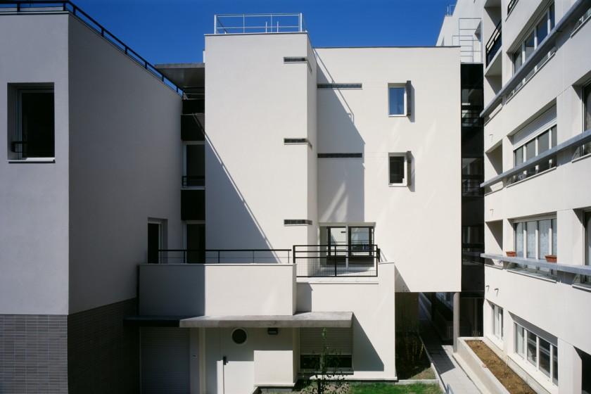 LOEIZ CARADEC ET FRANCOISE RISTERUCCI ARCHITECTES. SARL ARCHITECTURE ET URBANISME. 6 IMPASSE DE MONT-LOUIS. 75011 PARIS. HABITAT. 47 LOGEMENTS ZAC DE LA MOSKOWA. 75018 PARIS