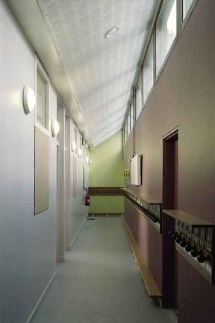 LOEIZ CARADEC ET FRANCOISE RISTERUCCI ARCHITECTES. SARL ARCHITECTURE ET URBANISME. 6 IMPASSE DE MONT-LOUIS. 75011 PARIS. SCOLAIRE. ECOLE MATERNELLE ET PRIMAIRE. RUE EMILE DUPLOYE. 75018 PARIS