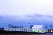 LOEIZ CARADEC ET FRANCOISE RISTERUCCI ARCHITECTES. SARL ARCHITECTURE ET URBANISME. 6 IMPASSE DE MONT-LOUIS. 75011 PARIS. AUTOROUTIER. CENTRE D'ENTRETIEN ET D'EXPLOITATION DE L'A 20. VATAN