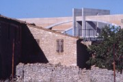 LOEIZ CARADEC ET FRANCOISE RISTERUCCI ARCHITECTES. SARL ARCHITECTURE ET URBANISME. 6 IMPASSE DE MONT-LOUIS. 75011 PARIS. AUTOROUTIER. BARRIERE DE PEAGE DE SORTIE SUR L'A7. LANCON DE PROVENCE